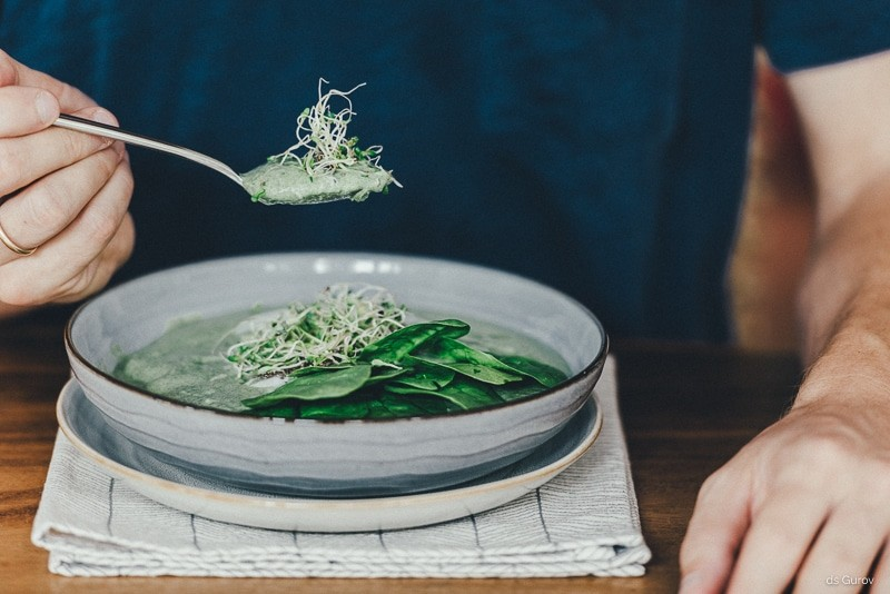 green smoothie bowl green lifestyle blog