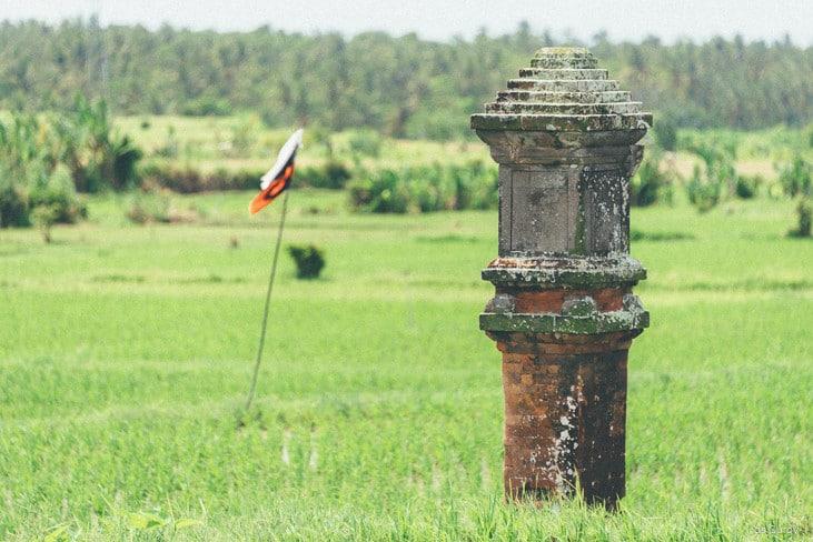 алтарь для духов на Бали