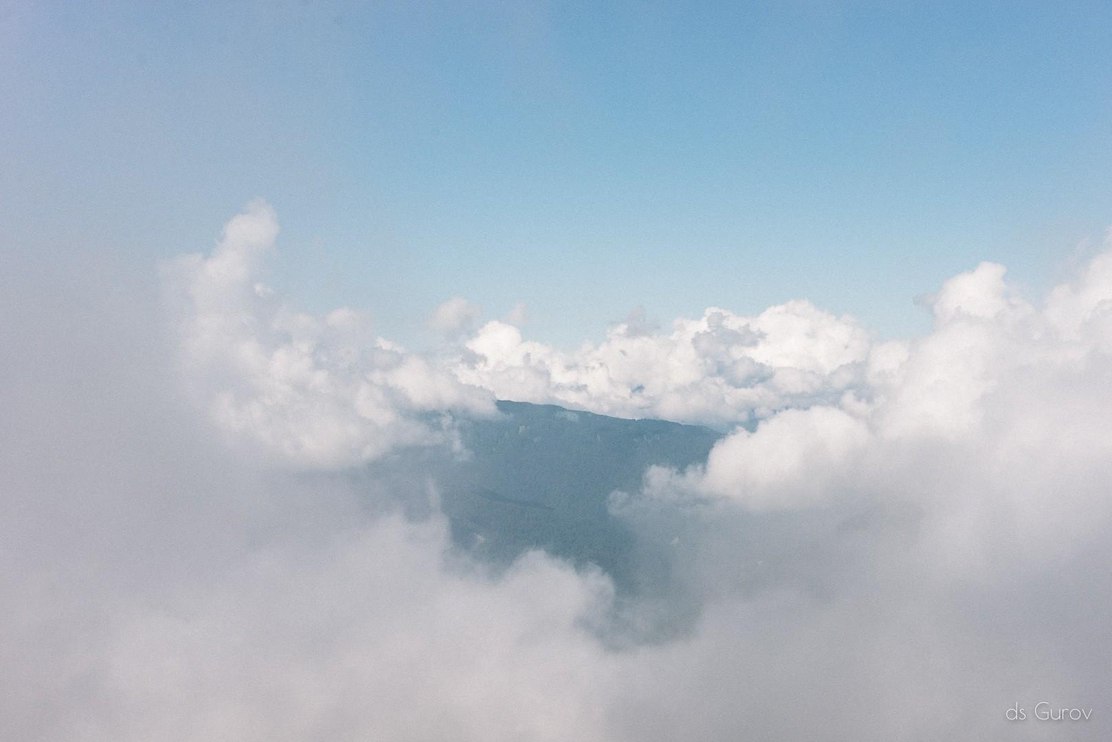 гора Ачишхо в облаках