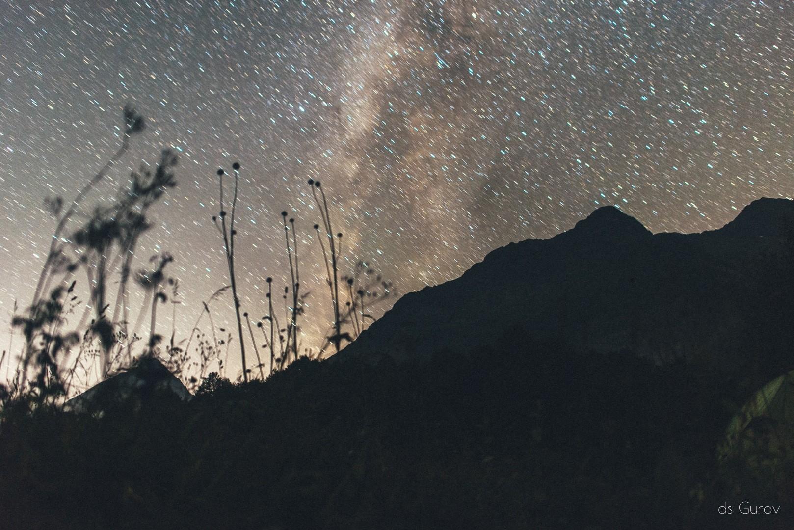 звёзды над кавказскими горами