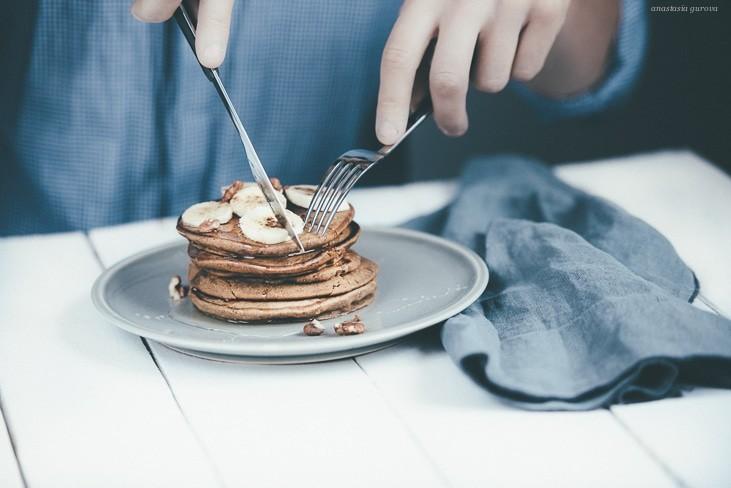 gluten free pancakes by anastasia gurova | GREEN LIFESTYLE BLOG